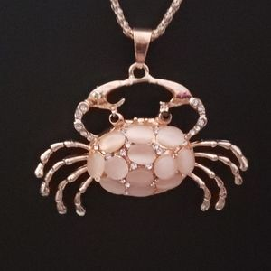NWT CRYSTAL CRABBY NECKLACE BY BETSEY JOHNSON